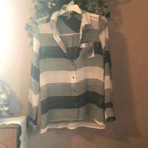 Blouse for causal or dress wear